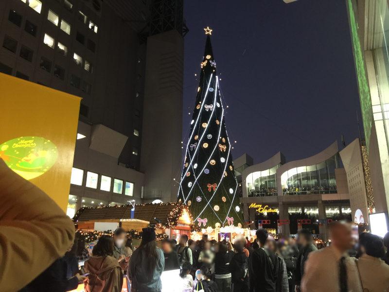 梅田スカイビルのドイツクリスマスマーケット