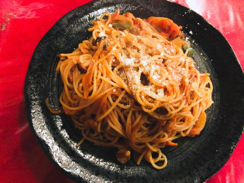トマトとニンニクのスパゲッティ