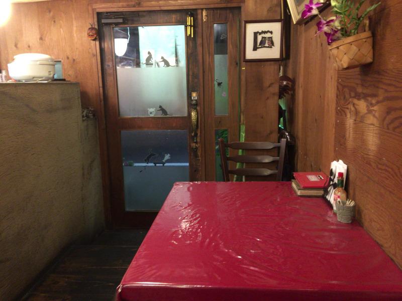 タブキのテーブル席
